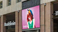 米兰圣巴贝拉广场TEATRO NUOVO广告牌